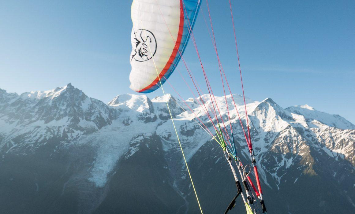 voile air design soar devant le mont blanc